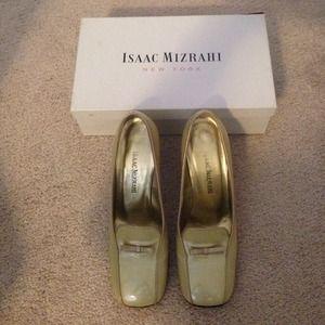 Isaac Mizrahi patent leather heels