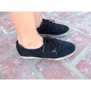 Black women's suede vans