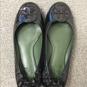 2X HP  Authentic Tory Burch Reva flats.