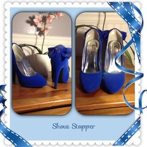Shoes - Stunning bright blue stilettos