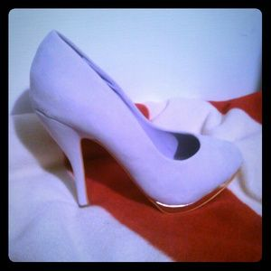 Shoedazzle Shoes - SALE only $12 Light purple pumps