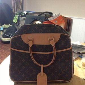 Handbags - LV inspired purse