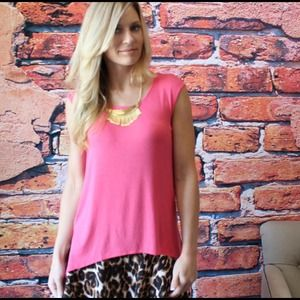 Pretty in pink  knit sleeveless top