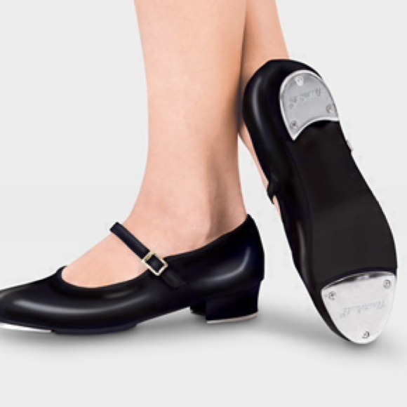 74 revolution shoes patent leather buckled tap