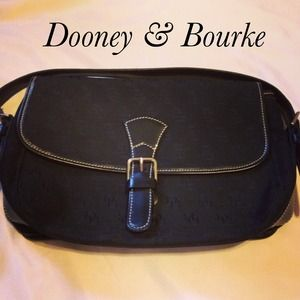 ‼️$99 SALE‼️Vintage Dooney & Bourke Shoulder Purse