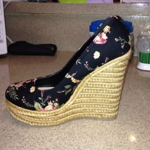 Floral black wedges
