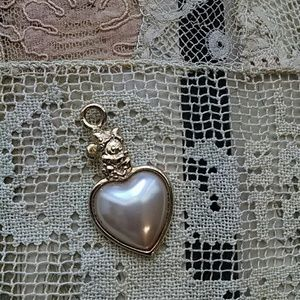 Jewelry - Disney Minnie mouse pendant