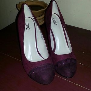 Maroon dress shoes. NEVER WORN!!