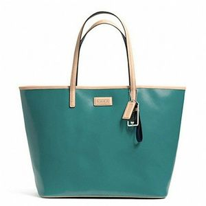 Coach Handbags - FINAL PRICE NEW Coach large metro leather tote