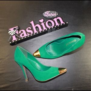 Shoedazzle Shoes - 💞Host Pick 4/10💞🌷NEW🌷Green Cap Toe Pumps