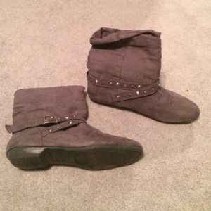 Gray Chinese laundry ankle booties