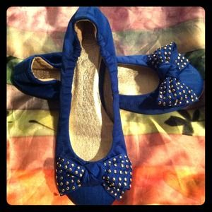 Jeffrey Campbell Shoes - Jeffrey Campbell- Ibiza flat gold studded bow toe!