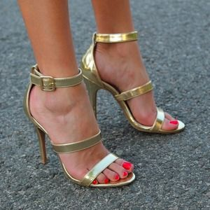 Steve Madden Gold Sandals - worn once