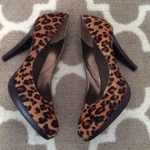 nine west leopard heels size 8