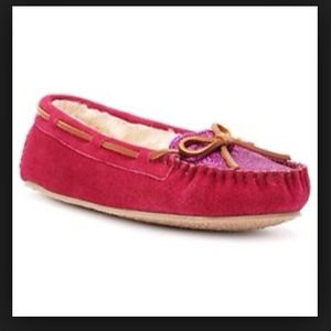 ✅REDUCED! Minnetonka moccasins
