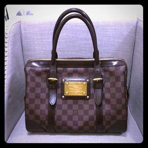 louis vuitton Bags - HOLD Damier Ebene Berkeley Louis Vuitton bag f5d802b48c9ea