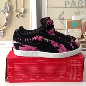 Puma Shoes - ✨REDUCED✨**Brand new! Tropicalia Puma Sneakers!**