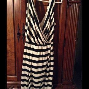 Dresses & Skirts - Ladies Dress