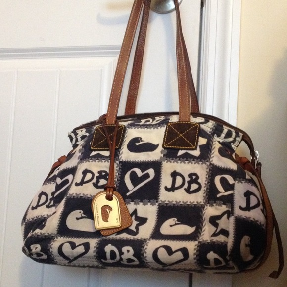 Dooney & Bourke Handbags - Dooney & Burke Bag