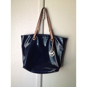 Michael Kors Handbags - Authentic navy blue Michael Kors bag🌟