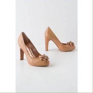 Anthropologie Shoes - [Anthropologie] gift-trimmed pumps