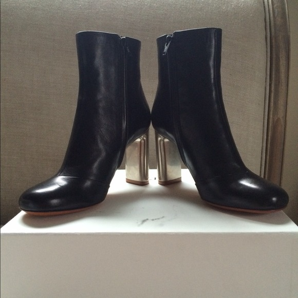 60 boots sold metal heel black
