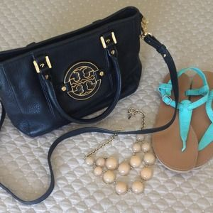 Tory Burch Handbags - Tory Burch Purse/Satchel