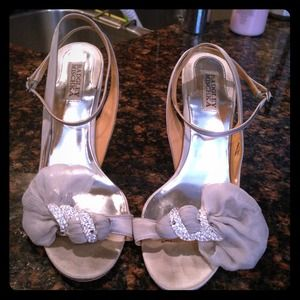 Badgley Mischka DYLAN Silver strappy heels