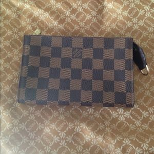AUTHENTIC LV Pouch - $300️️