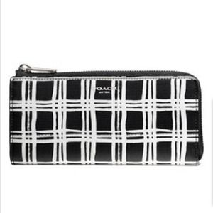Coach Bleecker Slim Zip Wallet /silver /black