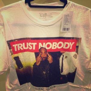 Tupac T-Shirt   Unisex M   New w Tags   No Trades