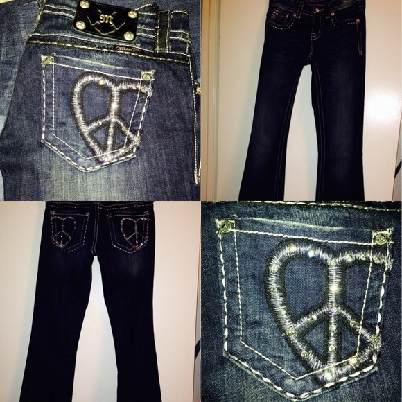 Miss Me Women's Jeans Miss Me is a clothing company that offers women many different types of jeans. Their pants are available in diverse colors and hues and include various forms of embellishments.