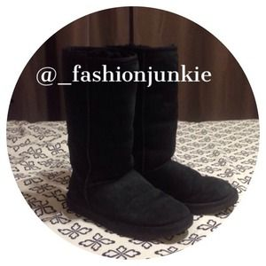 ‼️SALE‼️Tall Black Classic Ugg Boot 6  Authentic