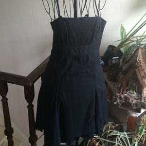 🌻 SALE 🌻 LBD Lightweight Cotton dress Sz 8
