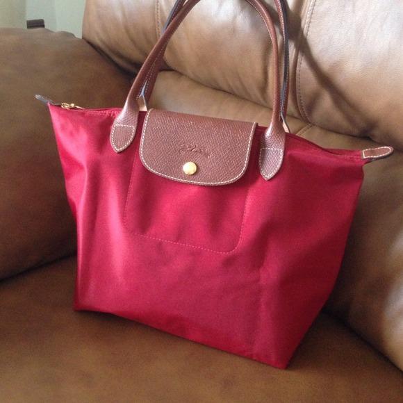 5b5e2aa3c816 Longchamp Handbags - Medium red Longchamp Le Pliage