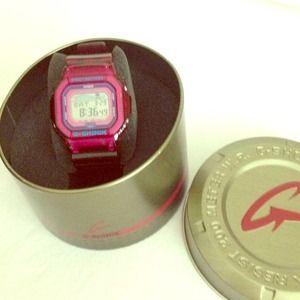 Women's authentic Magenta G-Shock G-LIDE watch for sale
