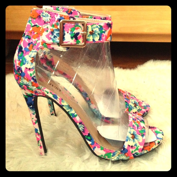 JustFab Shoes - Justfab floral heels