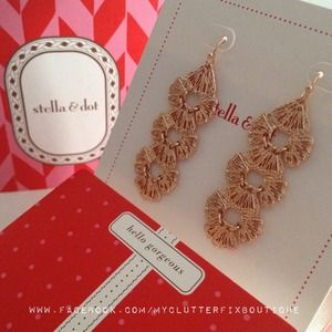 Stella & Dot Geneve Lace Linear Earrings Rose Gold