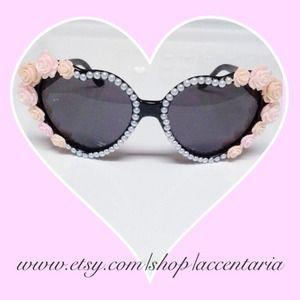 Pearly peachy sweetheart shades