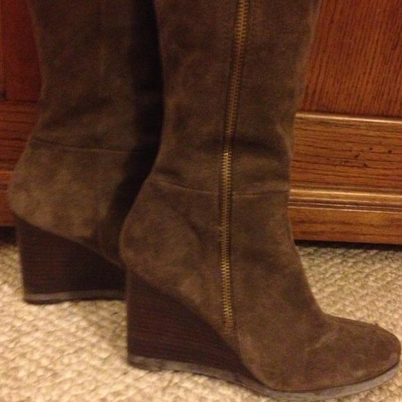 61 franco sarto shoes zip up suede wedge