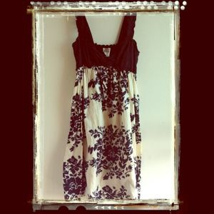 🎀Black & Cream Floral Print Empire Waist Dress🎀