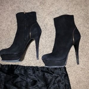 Yves saint Laurent tribute boots