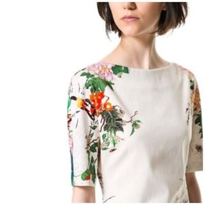 ✳️PM Editor's Pick ✳️ Modern Floral Dress