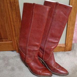 HOST PICK!! Vintage Frye boots.
