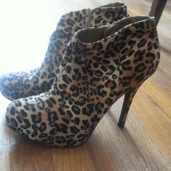 361e093184bb Leopard Print Platform Ankle Boots. M 53388cb088e3c66ff51513e2