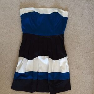 Color block strapless dress