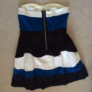 Dresses - Color block strapless dress