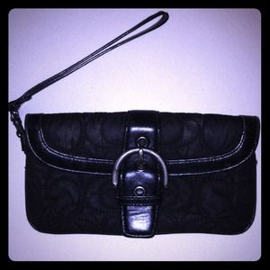 Coach Clutches & Wallets - Coach wristlet
