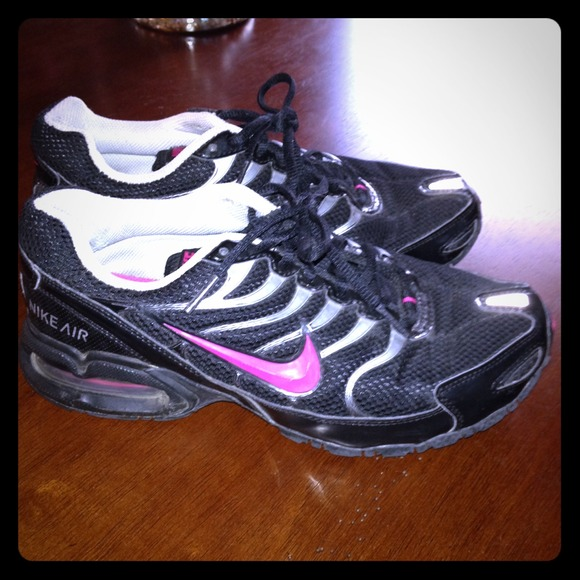 Women's Black & Pink Nike Air Max Torch 4