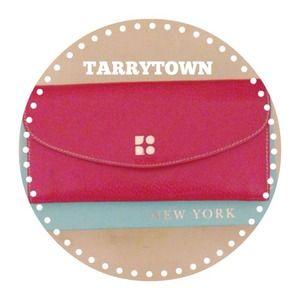 """Kate Spade """" TORRYTOWN """" red wallet ❤️"""